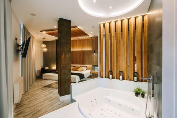 habitación con jacuzzi hostal en madrid